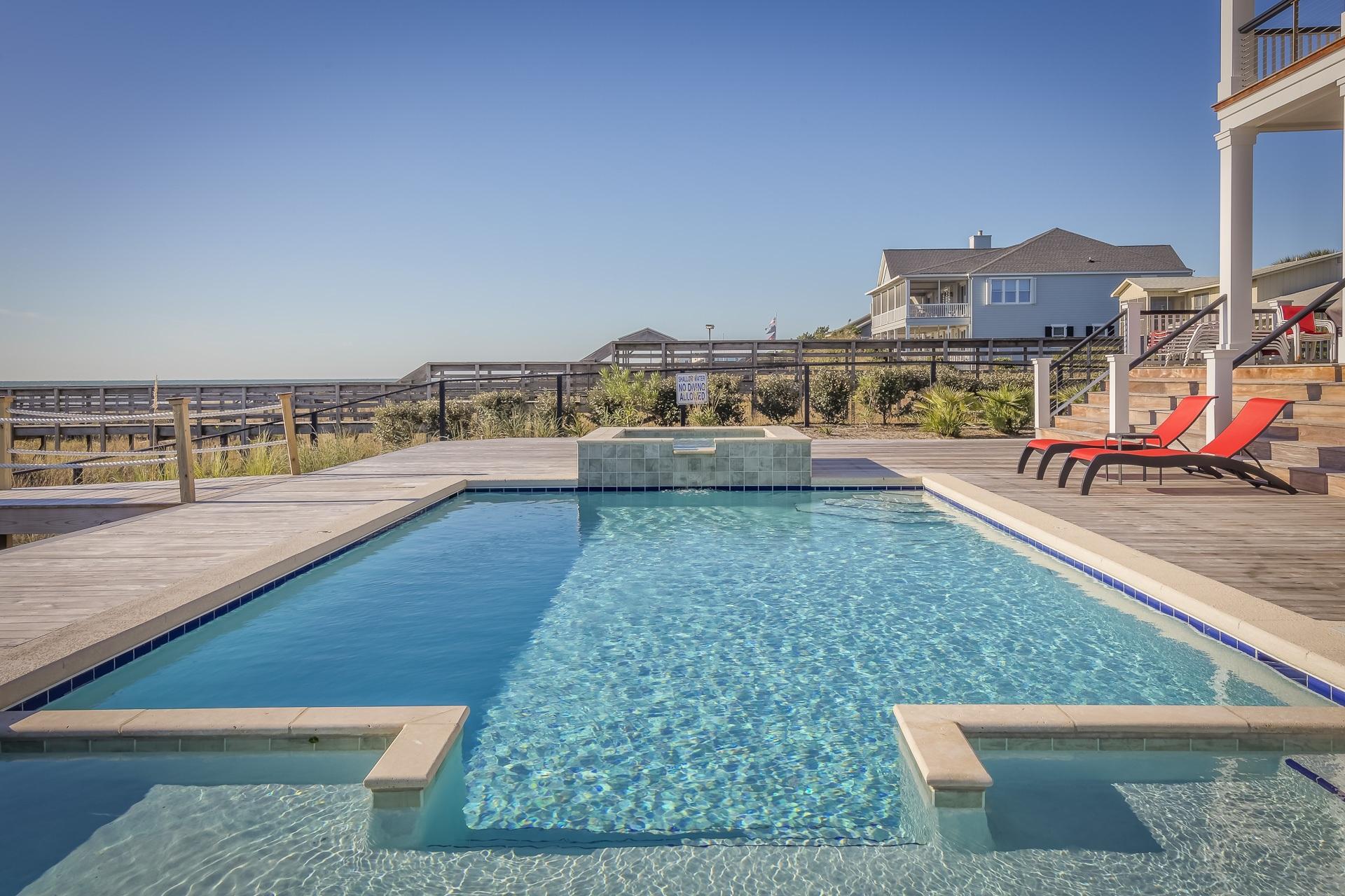Idées de décoration élégante au bord de la piscine pour créer votre oasis extérieure personnelle